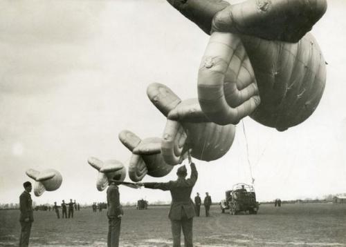 military balloon history
