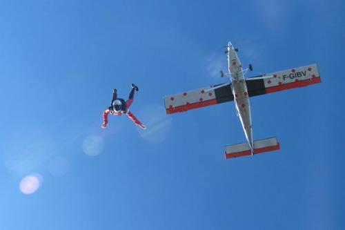 low time skydive pilot job
