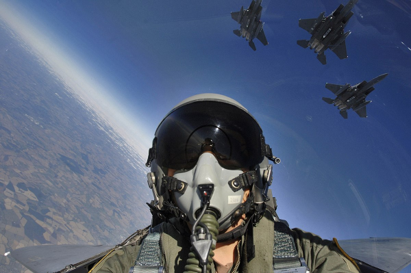 fighter pilots routinely experience stagnant hypoxia during maneuvers