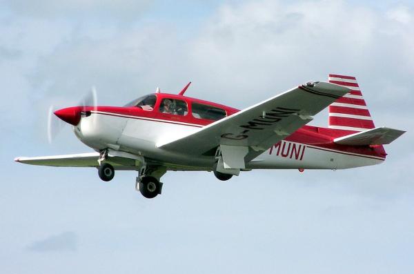 Mooney aircraft use retractable landing gear